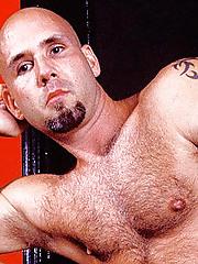 Sweaty Gay Bear Erotic dance