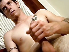 Str8 Naked Amateur Guy Jerks Off and Auditions for StraightNakedThugs - Seth G