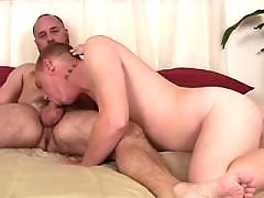 Untamed gay guy spreads buttocks for bear