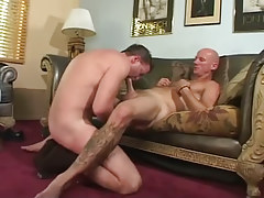 Hirsute man-lover boy sucked by daddy
