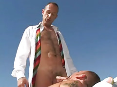 Mature curly man sucked by bear man-lover outdoor