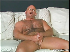 Horny bear gay cums later handjob