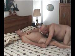 Old faggot sucking cock in ottoman
