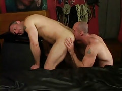 Lewd dilf licks muscled males ass